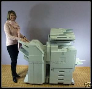 Photocopieur laser couleur gestetner dsc38
