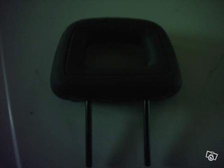 Achat : Vds 1 repose tête de renault express en plastique  (Habitacle equipement intérieur (pièces détacheés auto)) - Habitacle equipement intérieur (pièces détacheés auto) neuf et d'occasion - Achat et vente