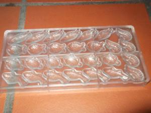 Moule à chocolats rigide - 24 empreintes variées