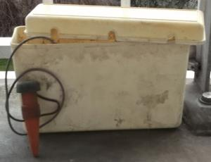 Réserves d'eau et cônes d'arrosage pour plantes