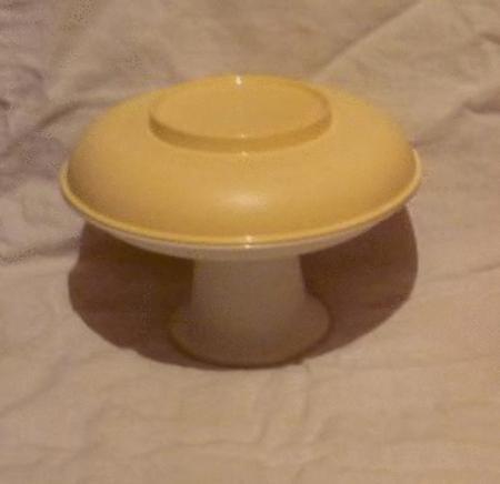 Achat : Tupperware petite coupe desserte 2 étages sur pied  (Accessoires cocktails) - Accessoires cocktails neuf et d'occasion - Achat et vente