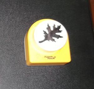Scrapbooking - perforatrice géante - motif feuille