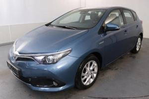 Toyota auris hybride 136ch collection
