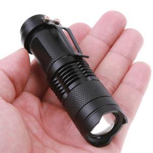 Torche tactique stroboscope et focus zoom neuve