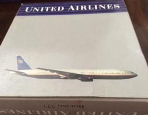 Airplane united airlines boeing 777 reproduction