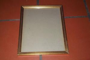 Cadre sous verre avec bordure en bois doré